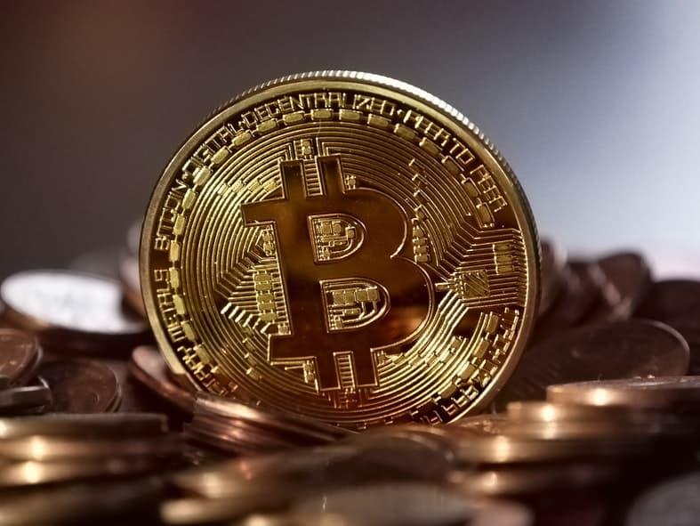 bitcoin vertė indijos rupijų)